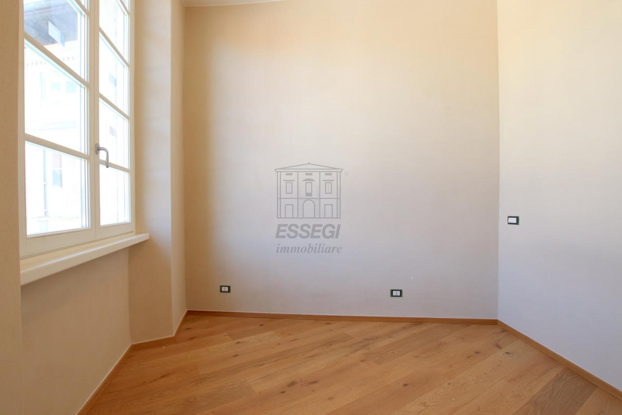 Appartamento Lucca Centro storico IA03509 img 13