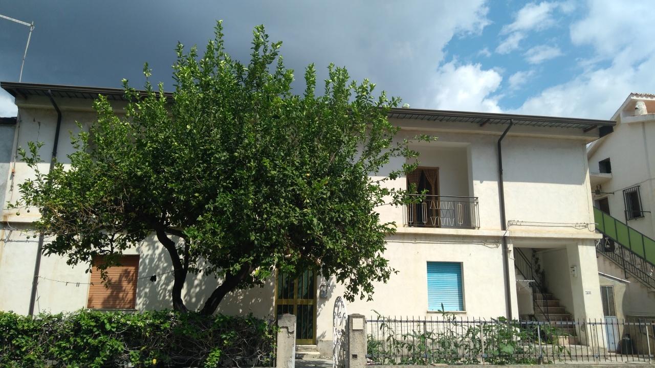 Appartamento in vendita a Condofuri, 6 locali, prezzo € 88.000 | CambioCasa.it