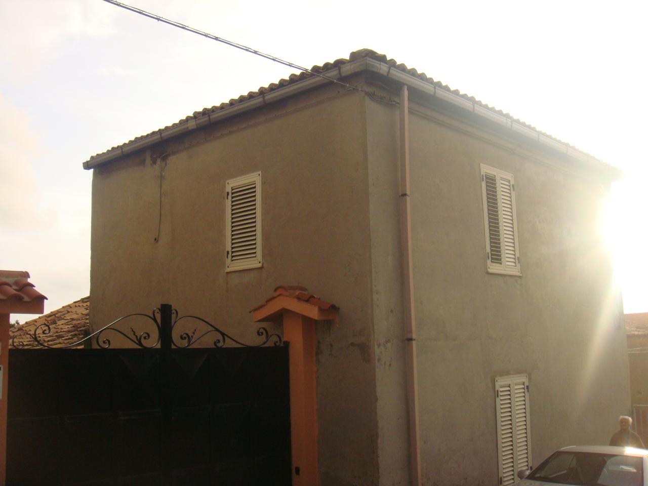 Soluzione Indipendente in vendita a Reggio Calabria, 4 locali, prezzo € 60.000 | CambioCasa.it