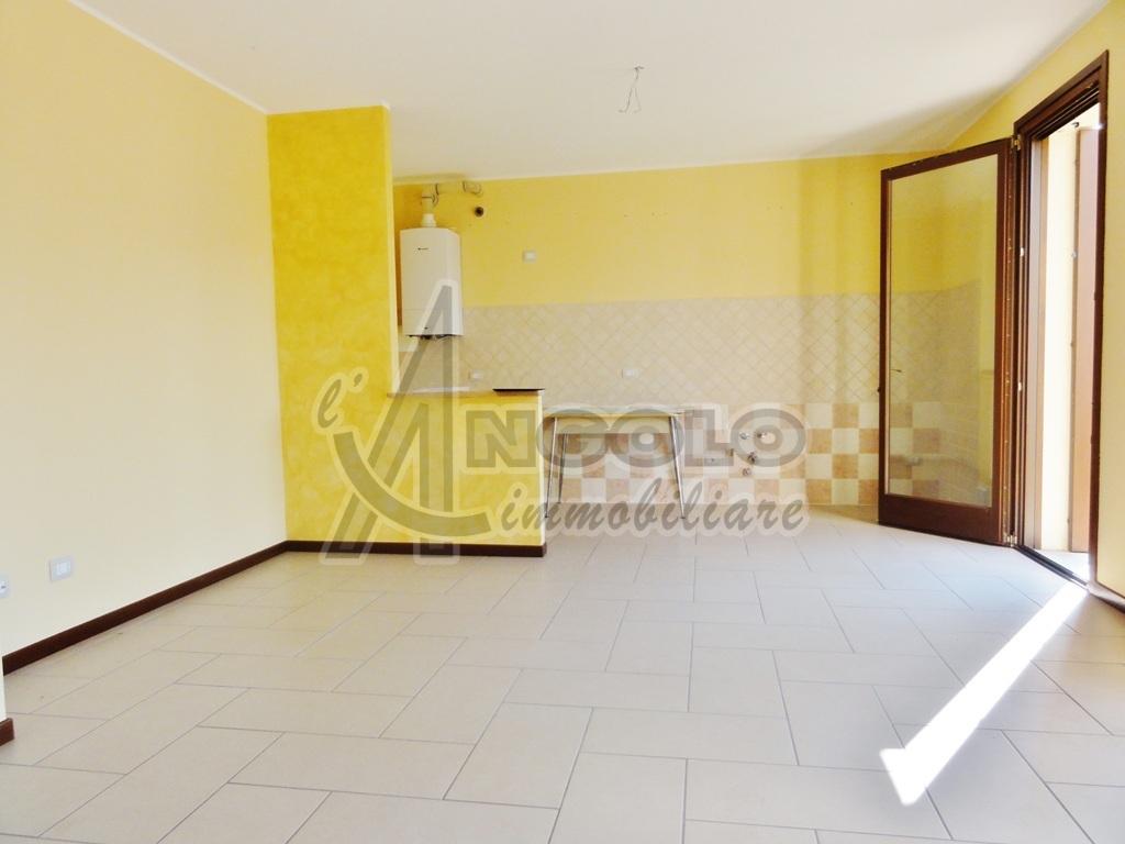 Appartamento in ottime condizioni in vendita Rif. 7516397