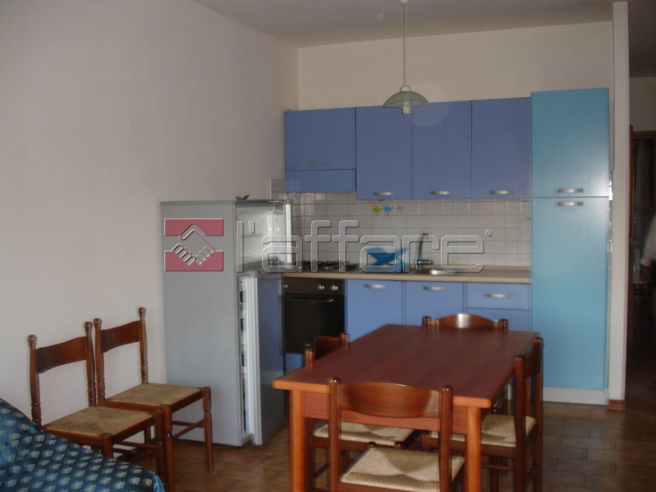 Appartamento in buone condizioni arredato in affitto Rif. 7082129