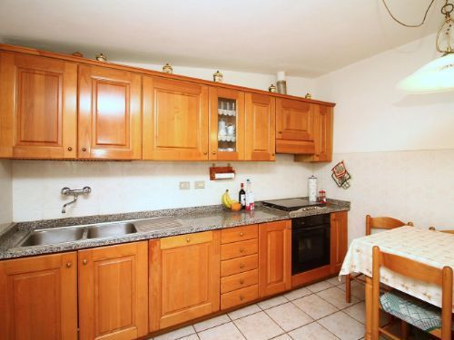 Appartamento in buone condizioni in vendita Rif. 9446041