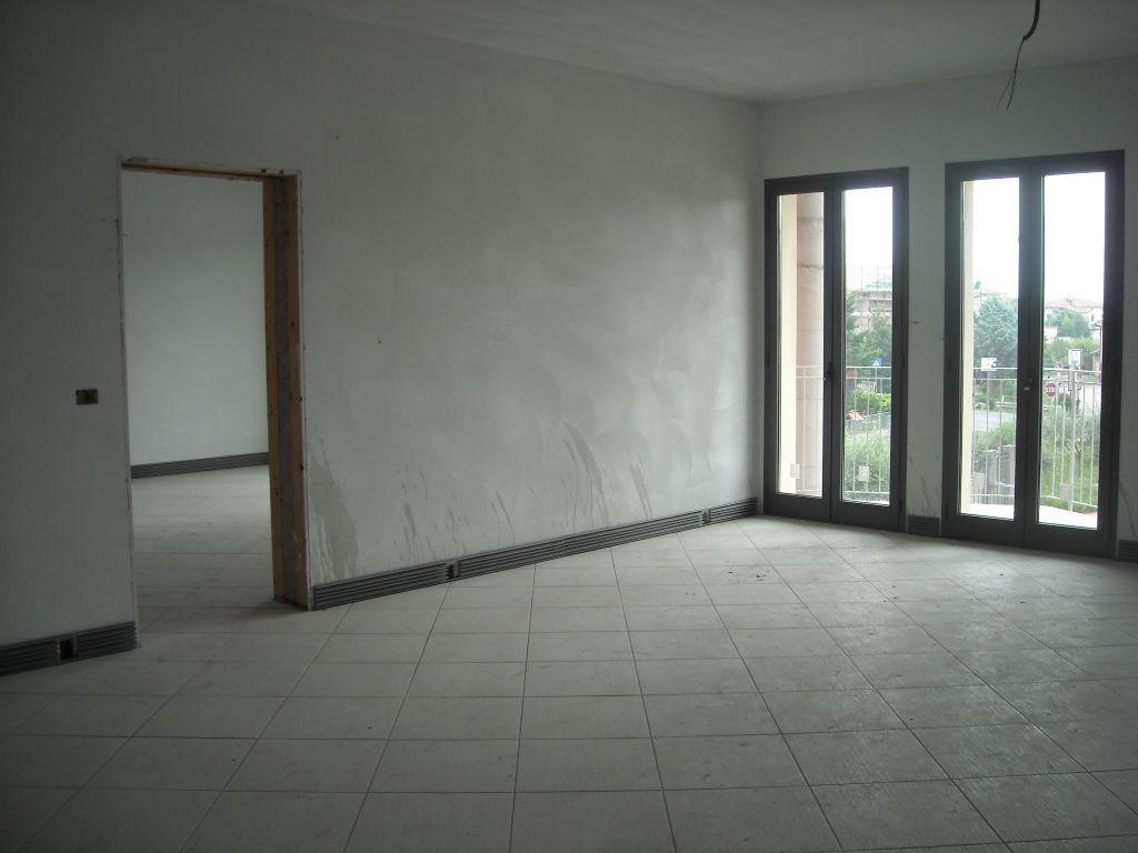 Ufficio / Studio in affitto a Quarrata, 2 locali, prezzo € 1.500 | CambioCasa.it
