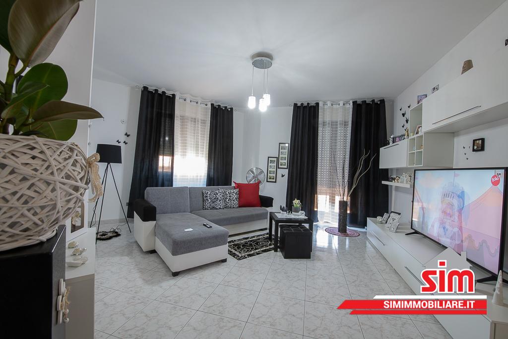 Appartamento in vendita a Trecate, 4 locali, prezzo € 120.000 | PortaleAgenzieImmobiliari.it