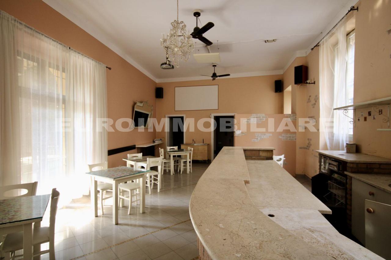 Negozio / Locale in affitto a Cellatica, 2 locali, prezzo € 650 | CambioCasa.it