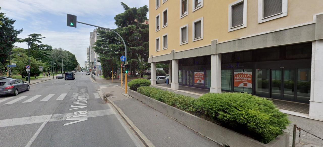 Negozio / Locale in affitto a Brescia, 6 locali, prezzo € 7.500   CambioCasa.it