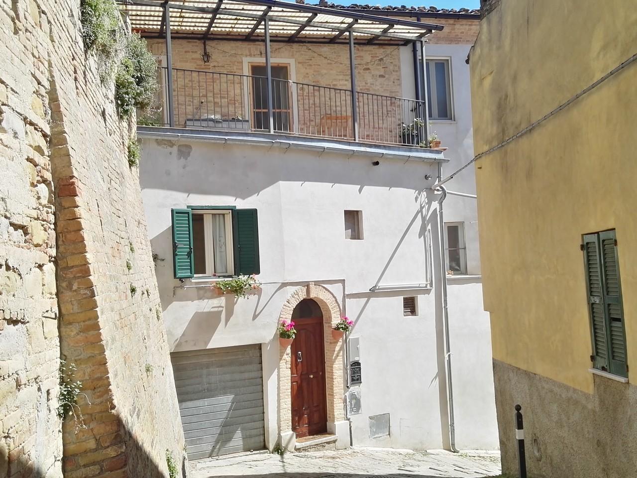 Casa Indipendente ristrutturato in vendita Rif. 4151991
