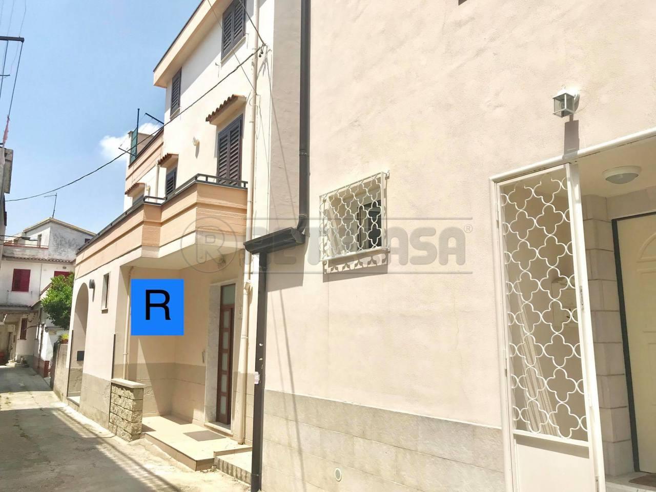 Casa Indipendente in buone condizioni in vendita Rif. 6930466