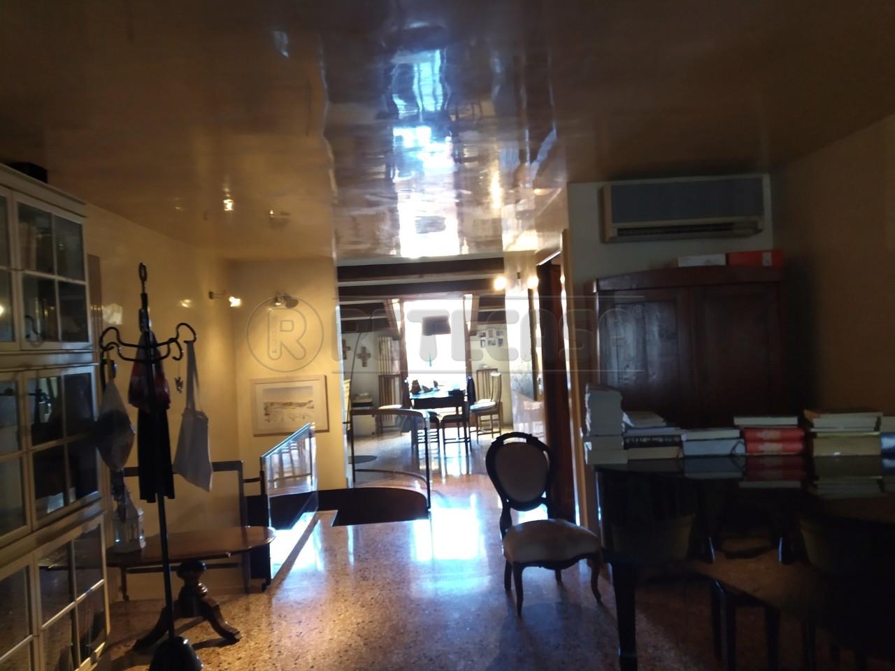 Appartamento in vendita a Vicenza, 4 locali, Trattative riservate | PortaleAgenzieImmobiliari.it