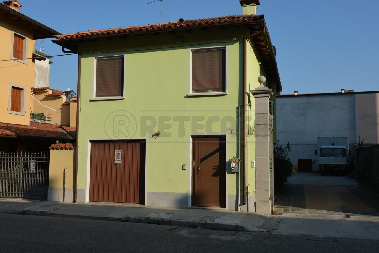 Rustico / Casale in buone condizioni in vendita Rif. 7651872