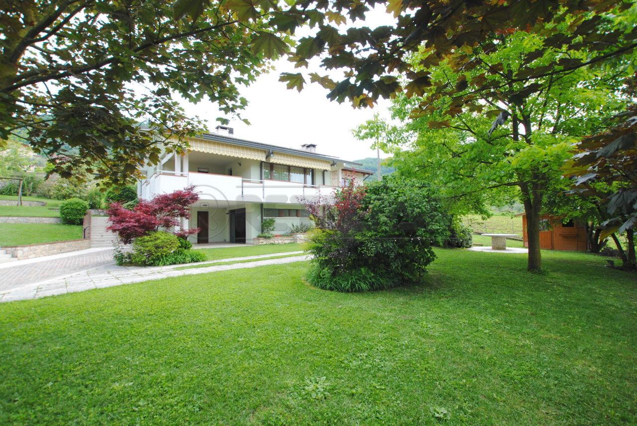 Villa in ottime condizioni in vendita Rif. 10508392