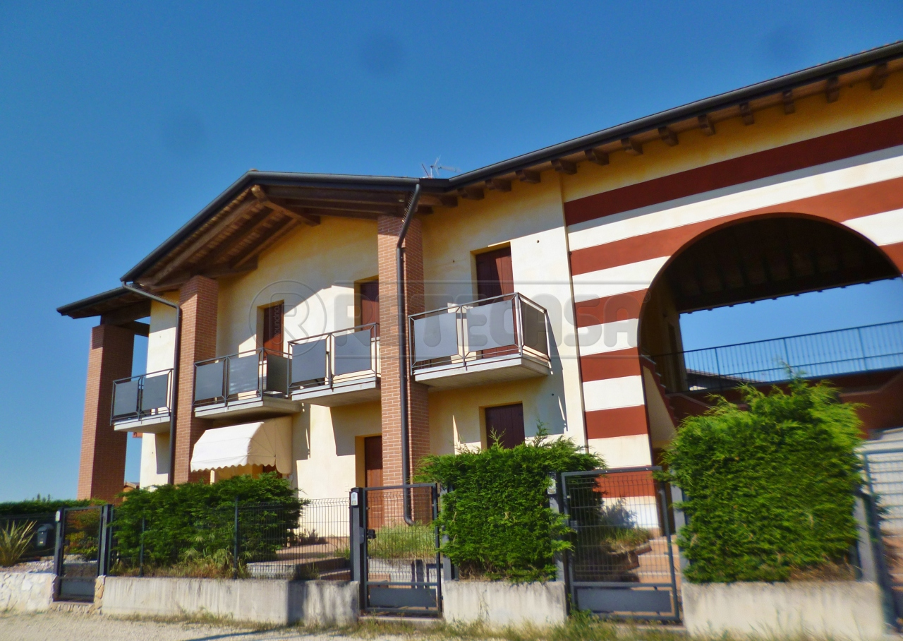 Appartamento in vendita a Veronella, 3 locali, prezzo € 68.000   PortaleAgenzieImmobiliari.it