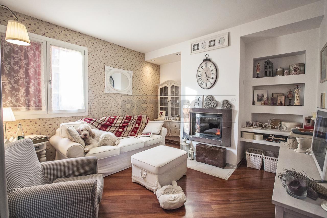 Appartamento in vendita a Valdagno, 6 locali, prezzo € 140.000 | PortaleAgenzieImmobiliari.it