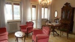 Appartamento in Vendita a Mantova, zona Valletta Paiolo, 50'000€, 105 m², con Box