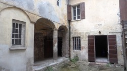 Villa bifamiliare in Vendita a Mantova, 320'000€, 320 m²