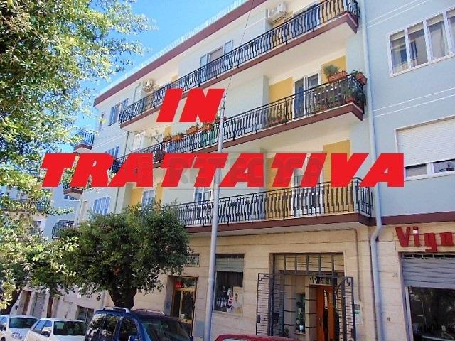 Appartamento in buone condizioni in affitto Rif. 9629710