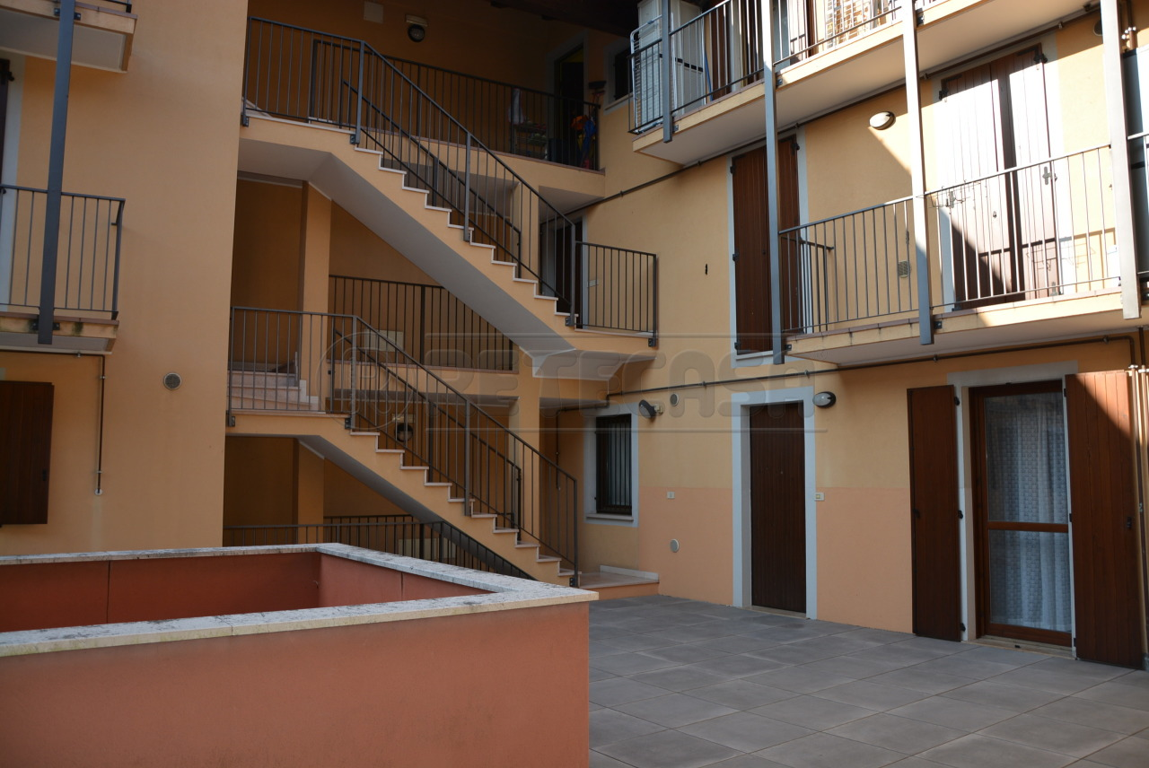 In Vendita a Santa Maria La Longa Appartamento