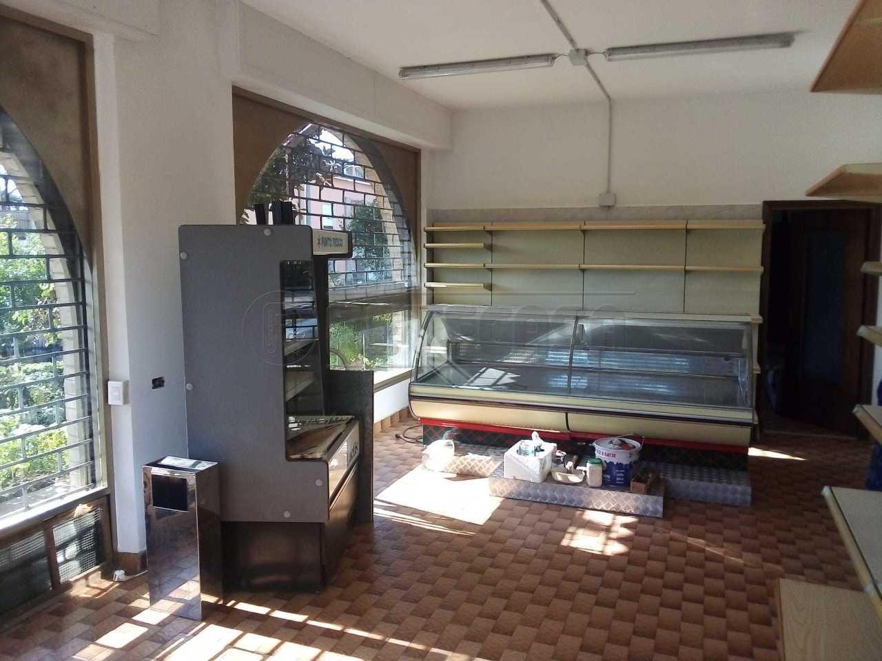 Attività / Licenza in affitto a Montello, 2 locali, prezzo € 500 | CambioCasa.it