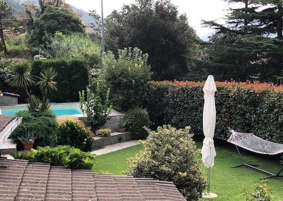 Soluzione Indipendente in vendita a Castiglione Chiavarese, 10 locali, Trattative riservate   CambioCasa.it