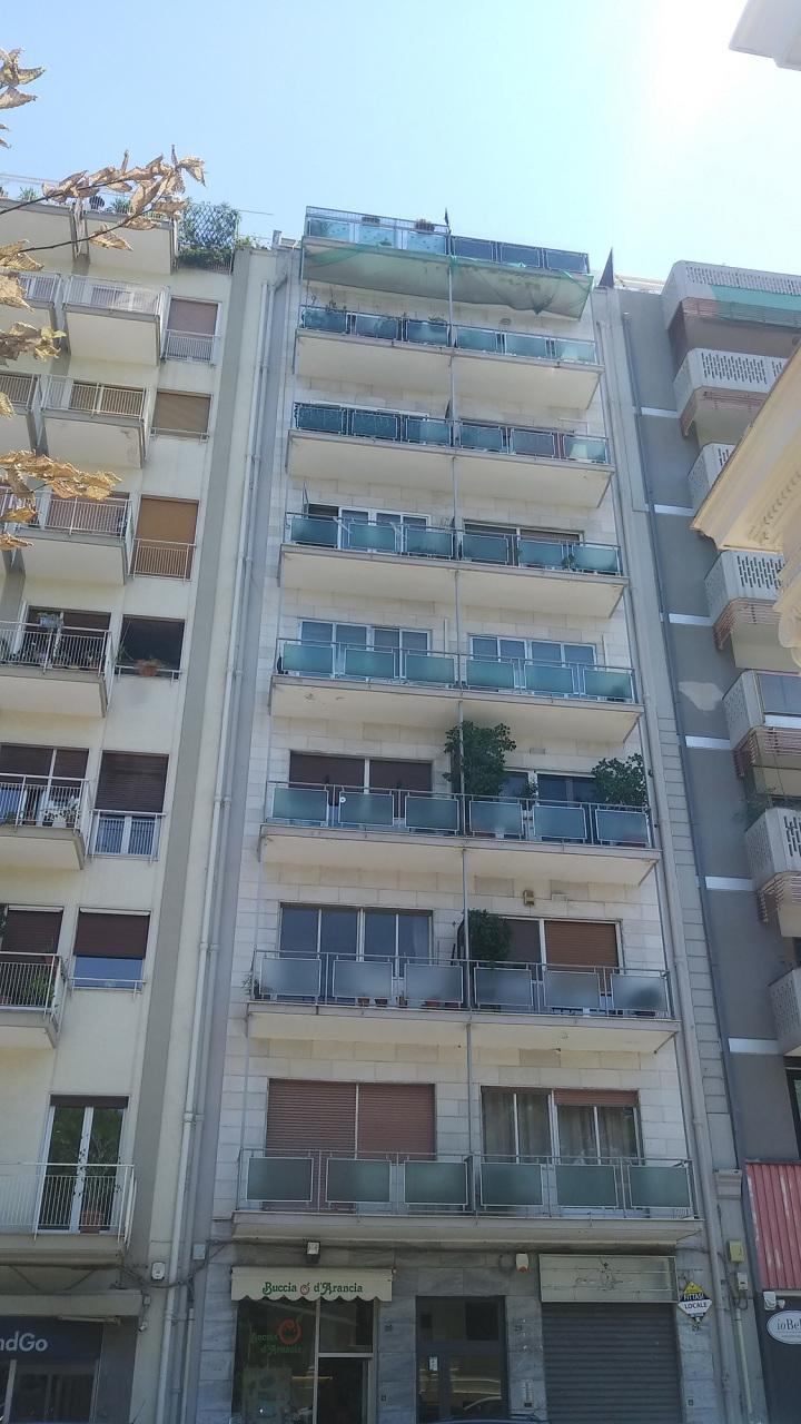 Appartamento da ristrutturare in affitto Rif. 10994465