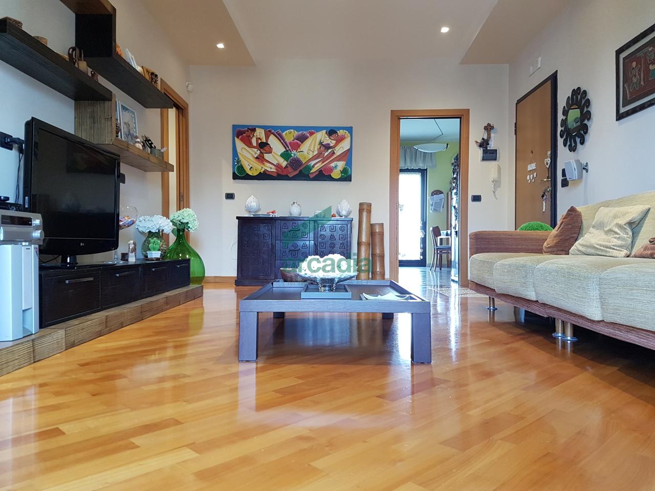 Appartamento in vendita a Bari, 4 locali, prezzo € 180.000 | CambioCasa.it