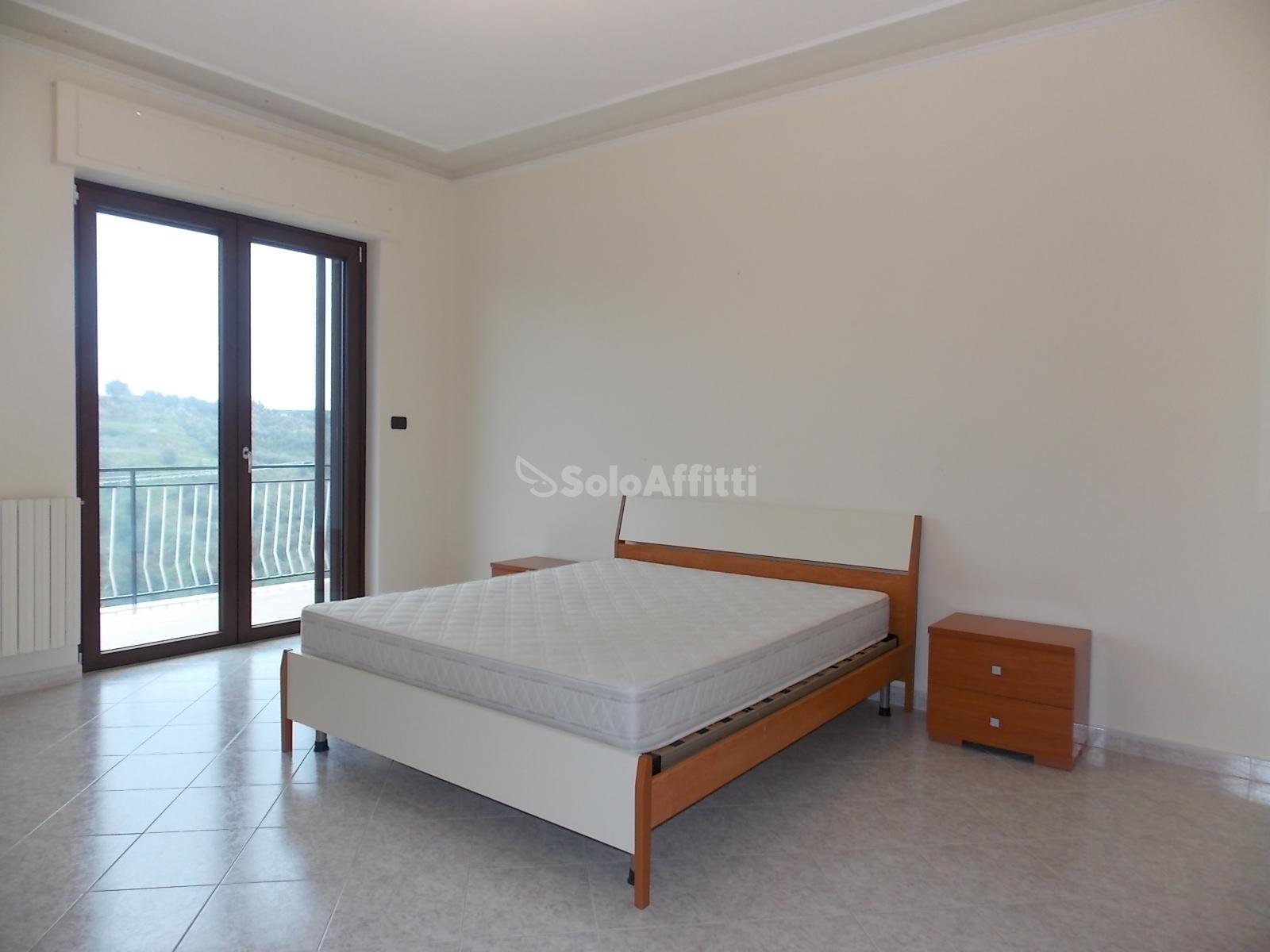 Appartamento Quadrilocale Arredato 150 mq.