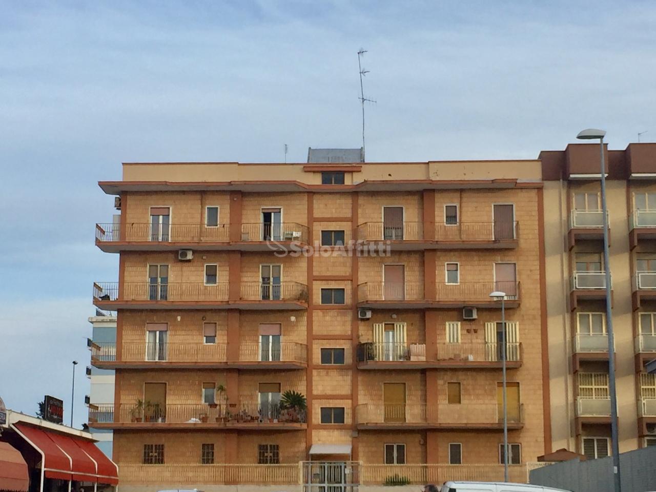 Quadrilocale in buone condizioni in affitto Rif. 9794415