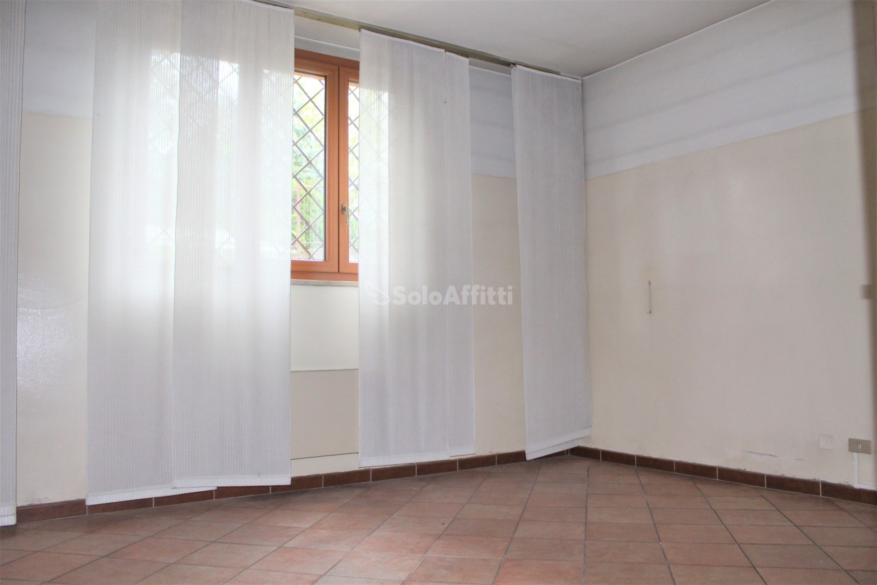 Ufficio / Studio in affitto a Parabiago, 3 locali, prezzo € 650 | PortaleAgenzieImmobiliari.it