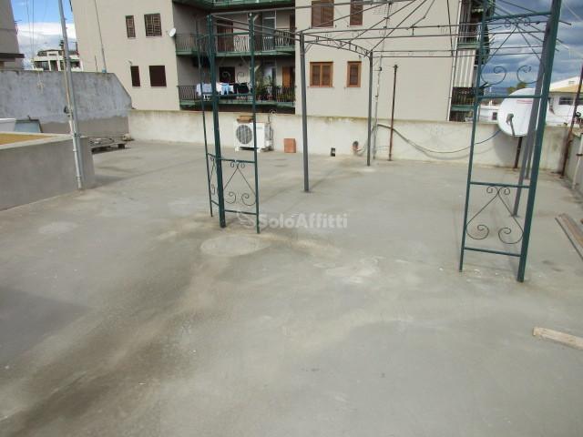 Bilocale in buone condizioni in affitto Rif. 8502356
