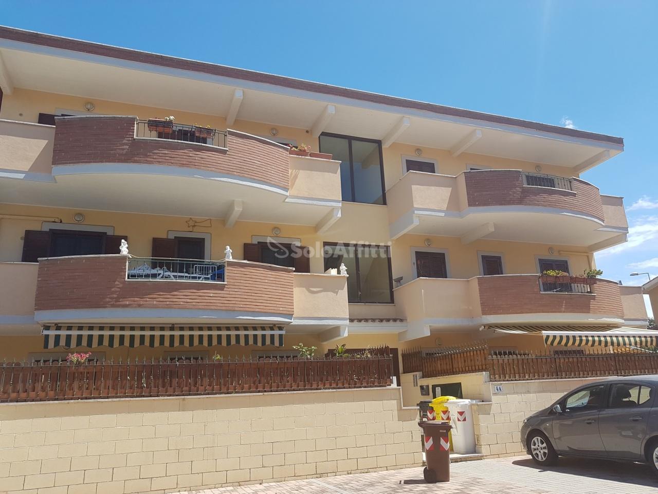 Trilocale ristrutturato in affitto Rif. 11281720