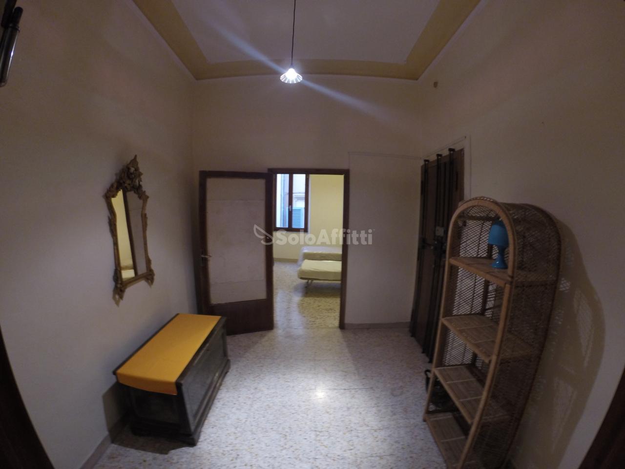 Stanza / posto letto in buone condizioni arredato in affitto Rif. 12194283