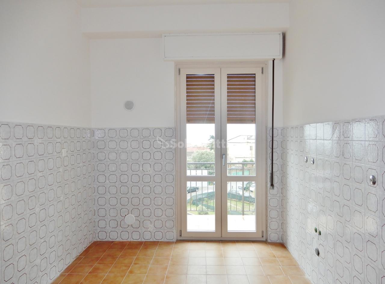 Quadrilocale in buone condizioni in affitto Rif. 9910578