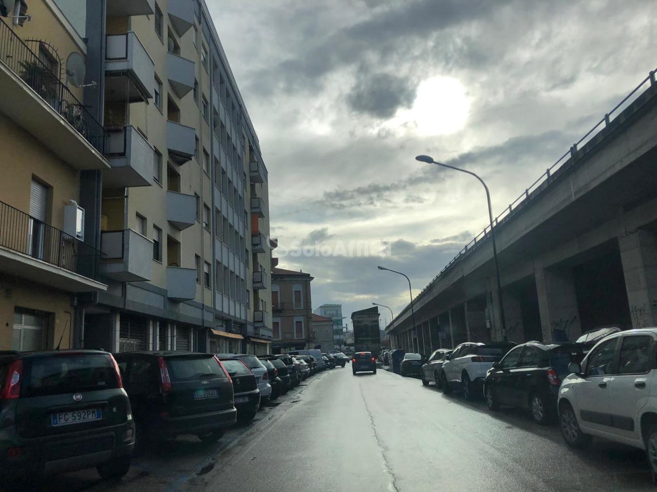 Fondo/negozio - 3 vetrine/luci a Porta Nuova, Pescara