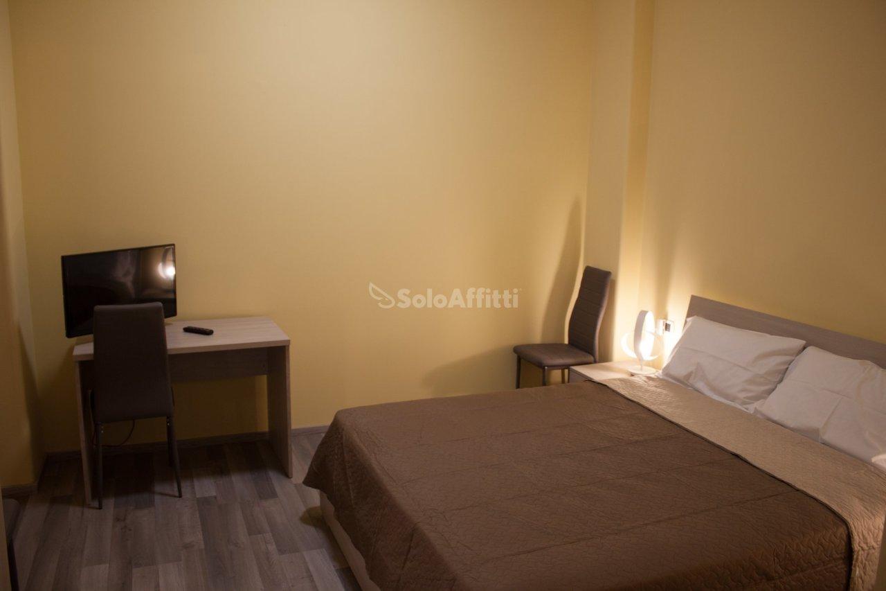 Stanza / posto letto in ottime condizioni arredato in affitto Rif. 9841313
