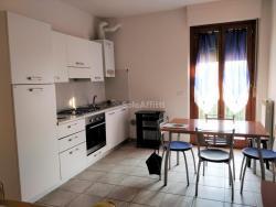 Bilocale in Affitto a Arezzo, zona Via Vittorio Veneto, 480€, 43 m², arredato, con Box