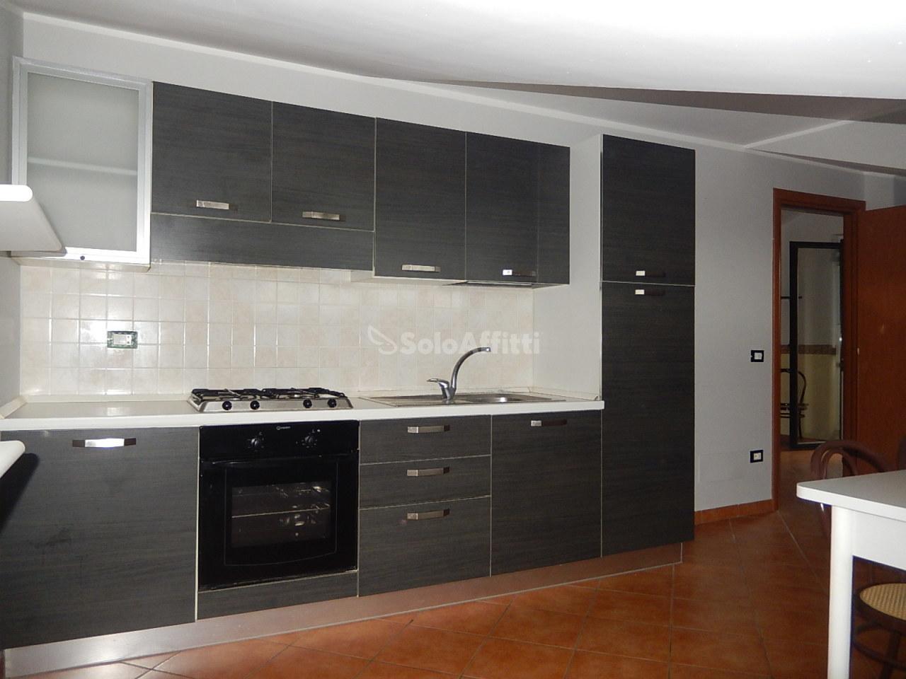 Attico / Mansarda in buone condizioni arredato in affitto Rif. 5809087