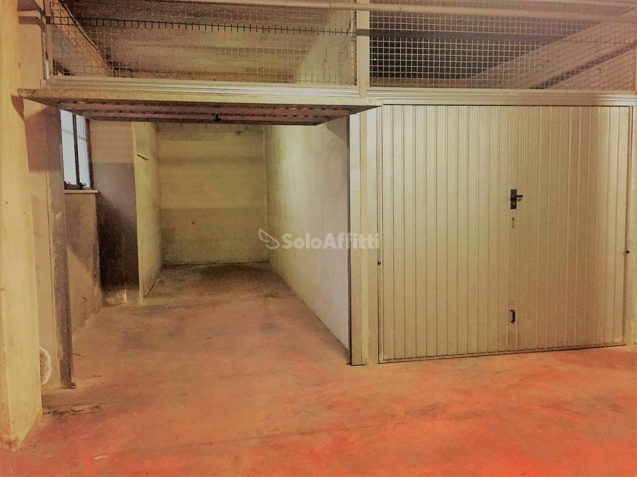 Box e posti auto in affitto Rif. 8920965