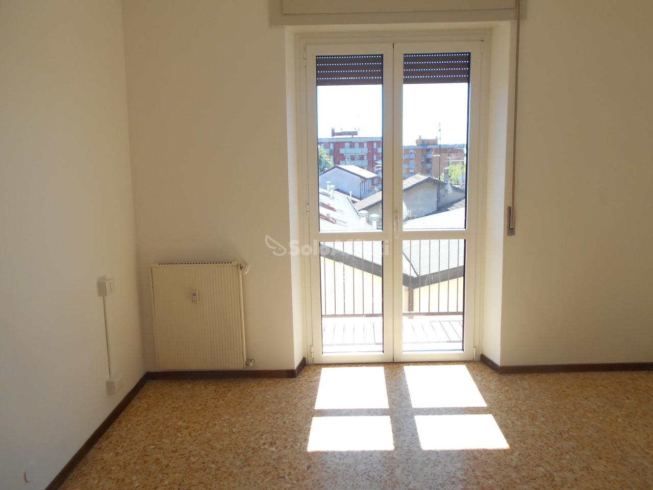 Appartamento in affitto a Cantù, 3 locali, prezzo € 500 | PortaleAgenzieImmobiliari.it