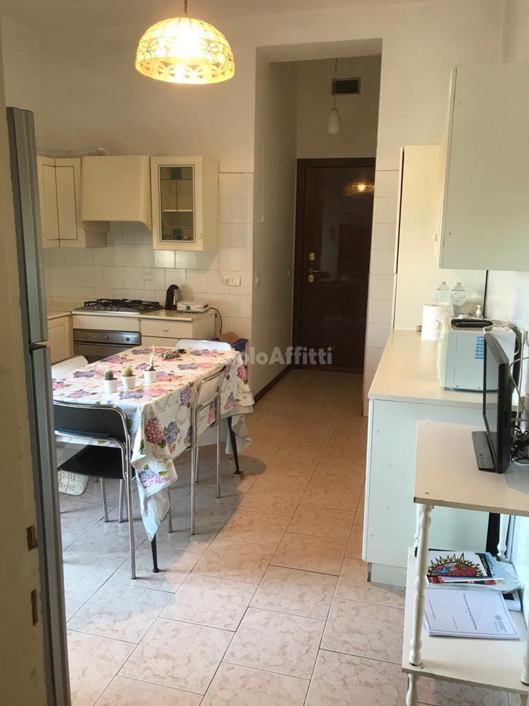 SoloAffittiParma1,quattro camere,doppi servizi, vi