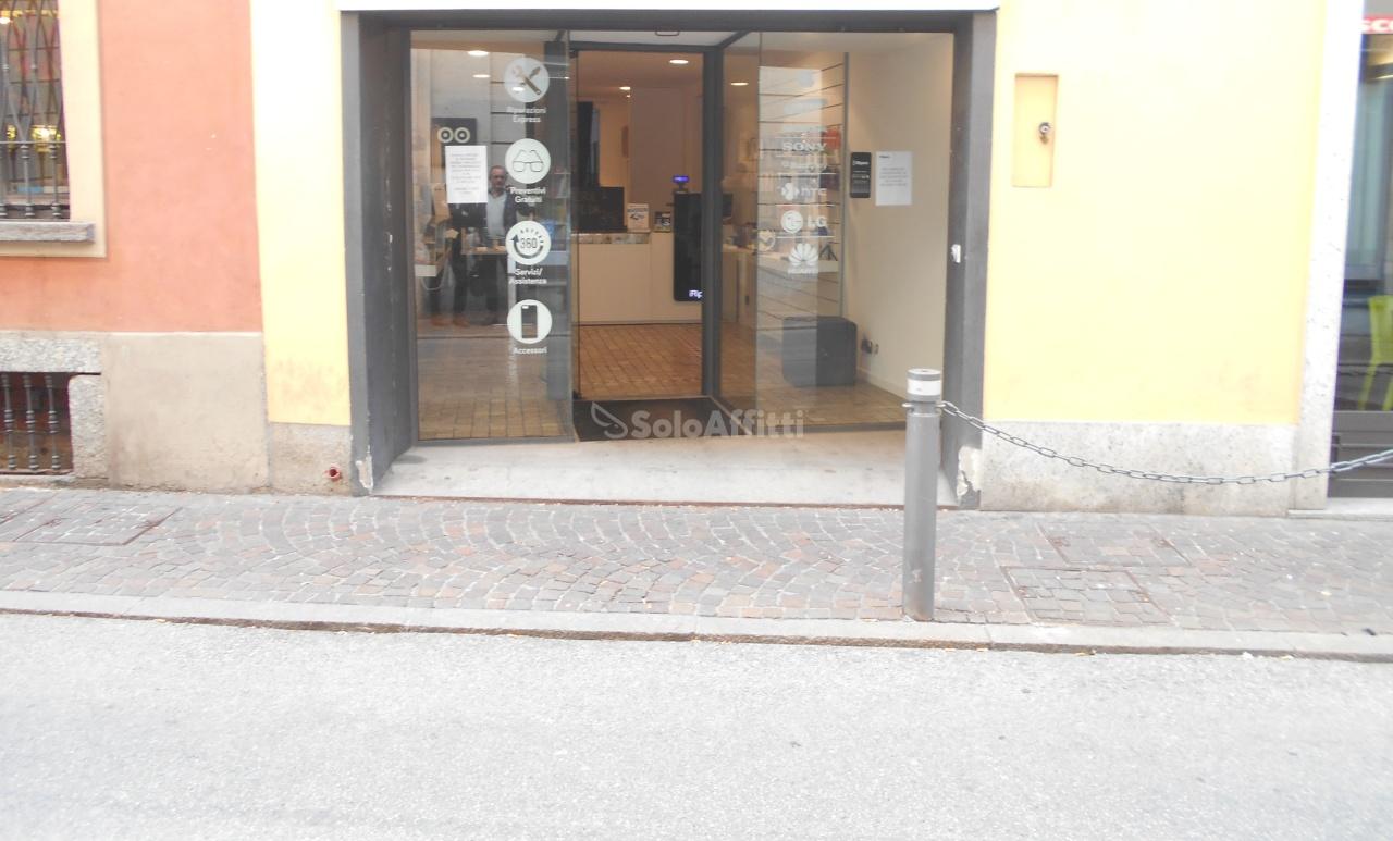 Fondo/negozio - 1 vetrina/luce a Cantù Rif. 4133060