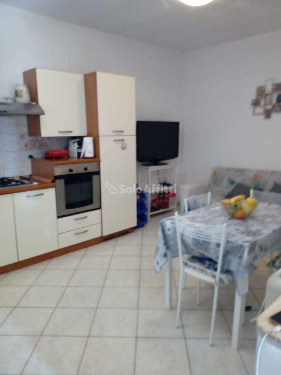 Villa in buone condizioni arredato in affitto Rif. 11299258