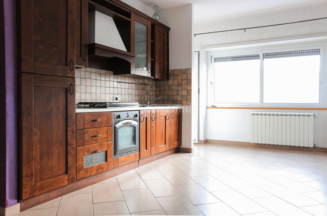 Quadrilocale in ottime condizioni in affitto Rif. 10048811