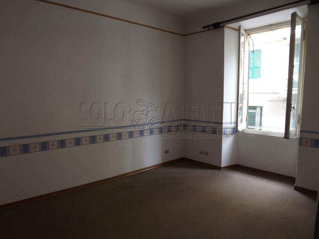 Ufficio / Studio in affitto a Savona, 3 locali, prezzo € 400 | PortaleAgenzieImmobiliari.it