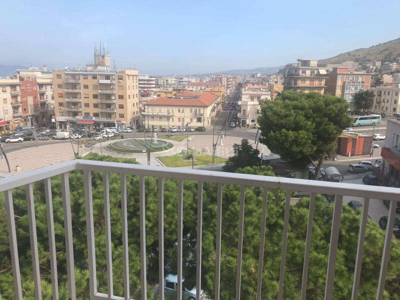 Ufficio - oltre 4 locali a Viale Libertà, Reggio di Calabria Rif. 10477201