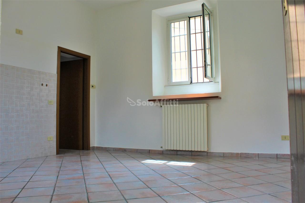 Bilocale in buone condizioni in affitto Rif. 10694937