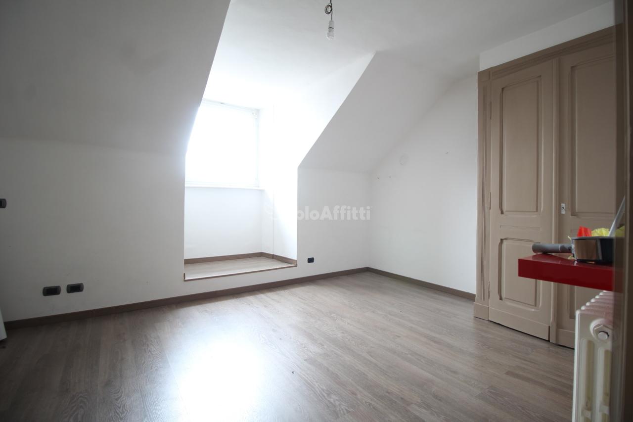 Quadrilocale in buone condizioni in affitto Rif. 9373592