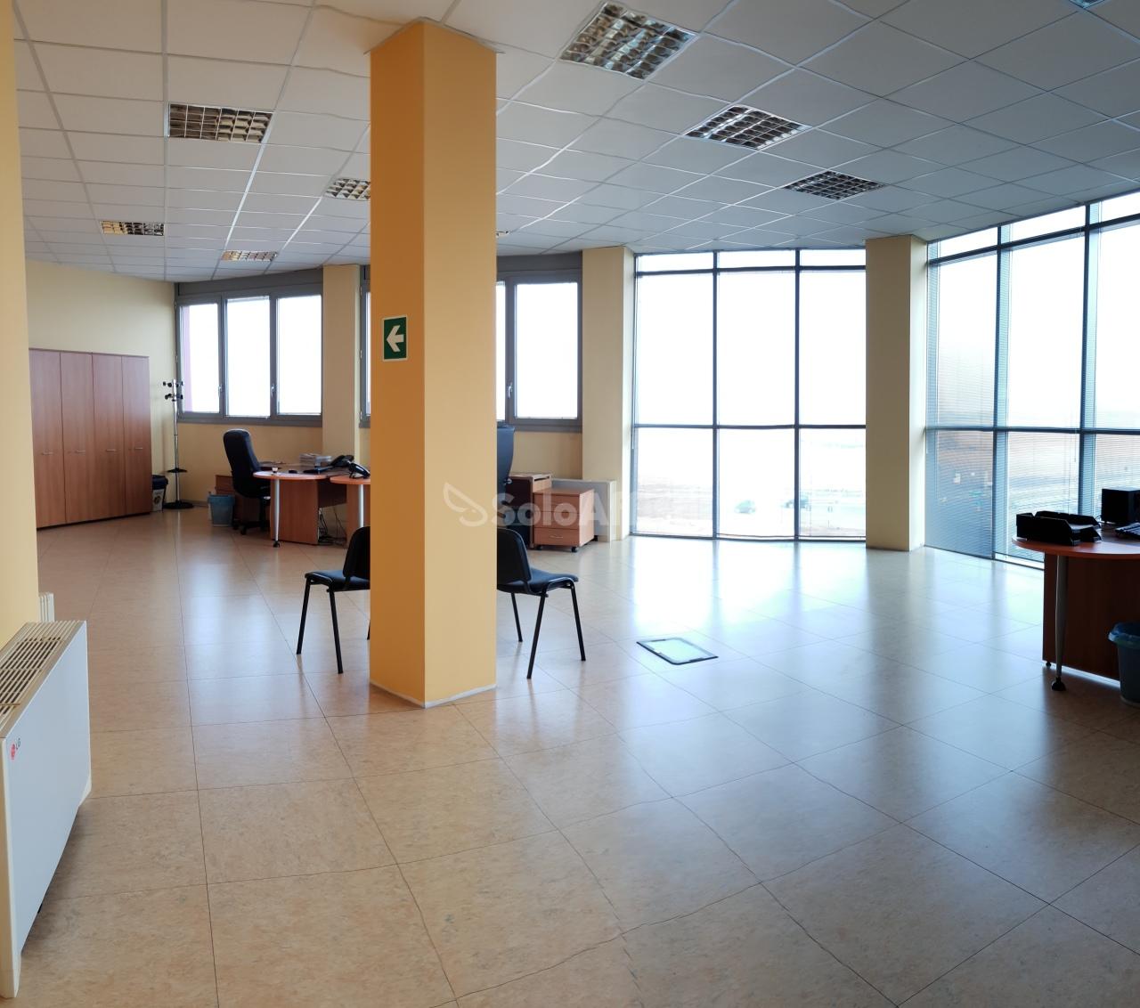 Ufficio - oltre 4 locali a vicinanze campo volo, Collegno Rif. 9253871