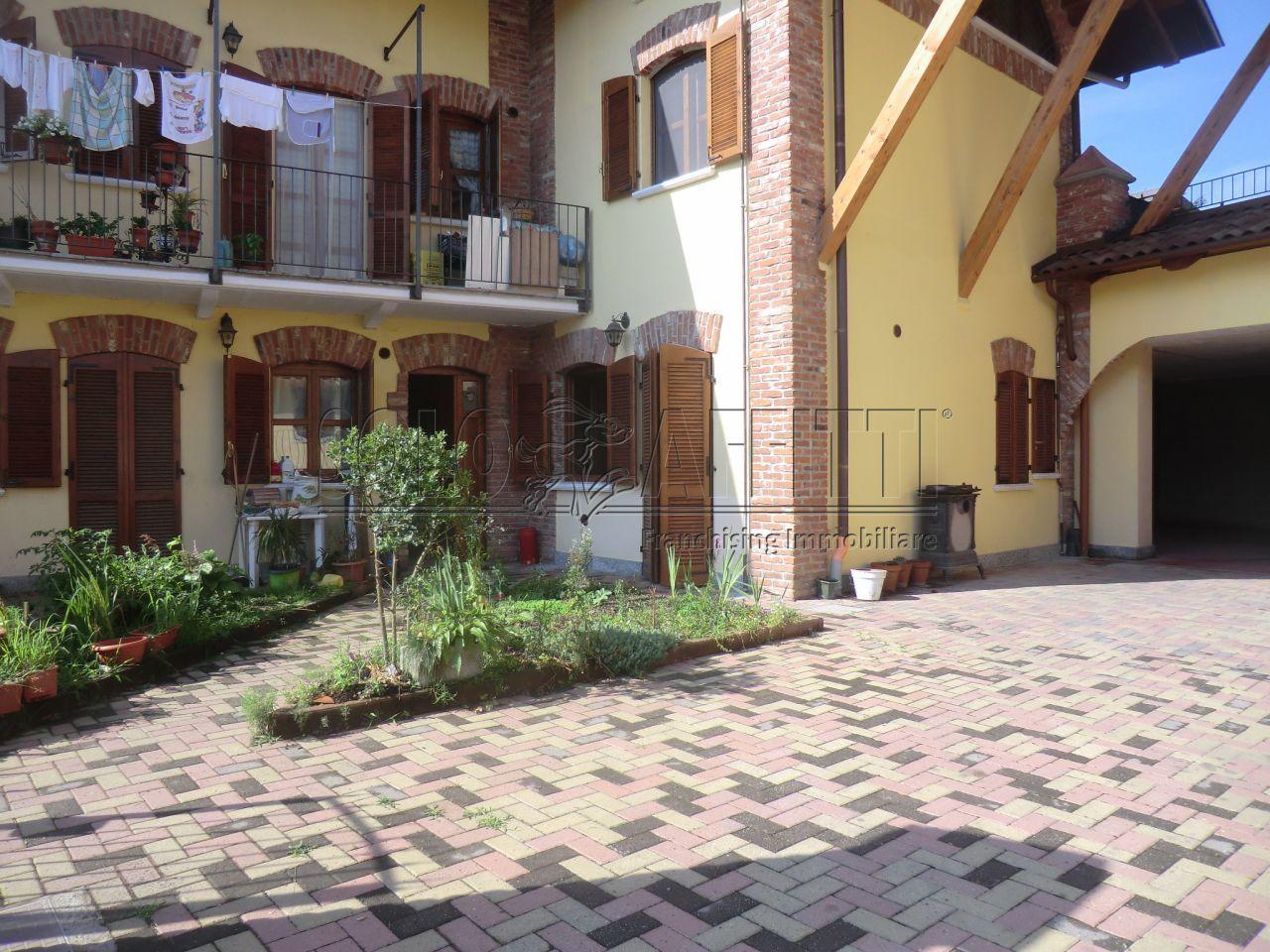 Appartamento in affitto a Front, 1 locali, prezzo € 250 | PortaleAgenzieImmobiliari.it