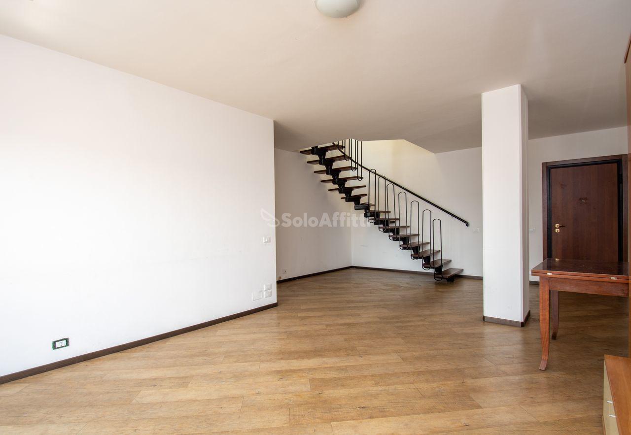 Appartamento Attico 6 vani 156 mq.