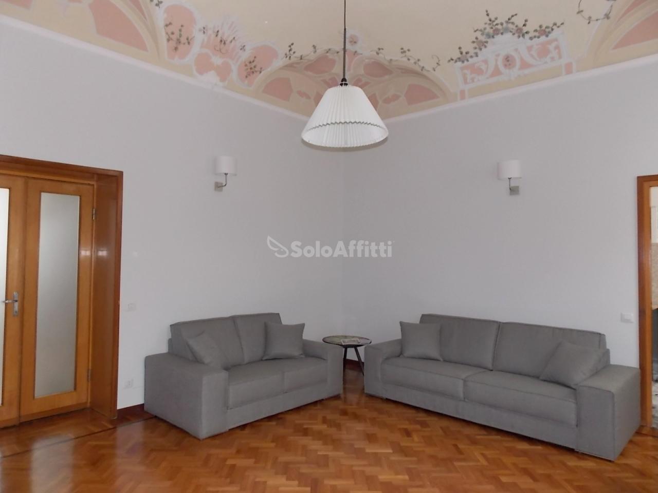 Appartamento in affitto a Novara, 4 locali, Trattative riservate | CambioCasa.it